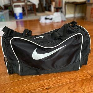 Nike Black Duffel Bag, near perfect condition